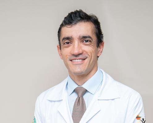 Dr. Emerson Leonildo Marques
